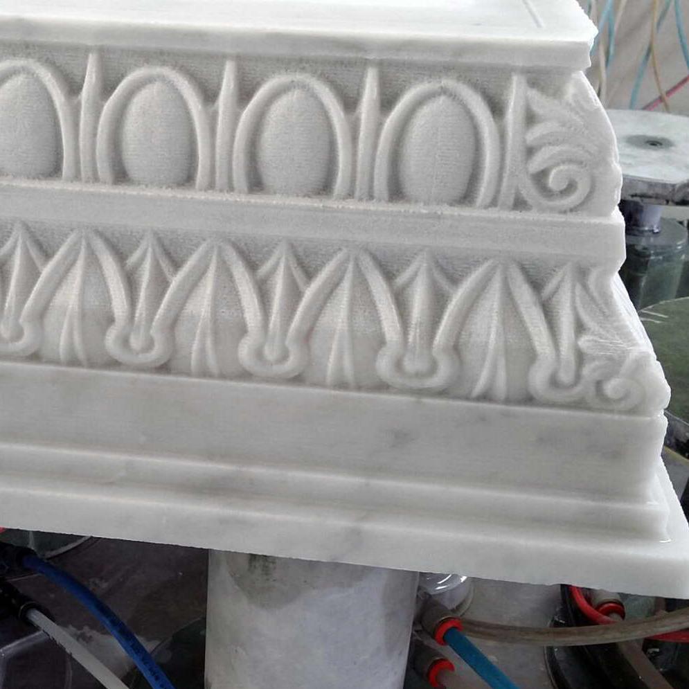 Capitelli in marmo bianco di carrara for Marmo di carrara prezzo