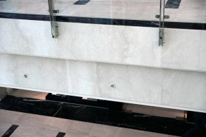 Centro Commerciale Dubai Realizzazione Pavimenti, Rosoni, Rivestimento pareti e Scale