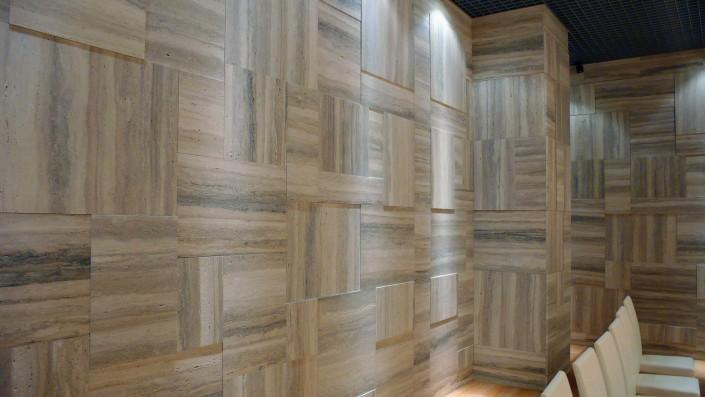 Luxury Room realizzazione rivestimento pareti in travertino silver - 4