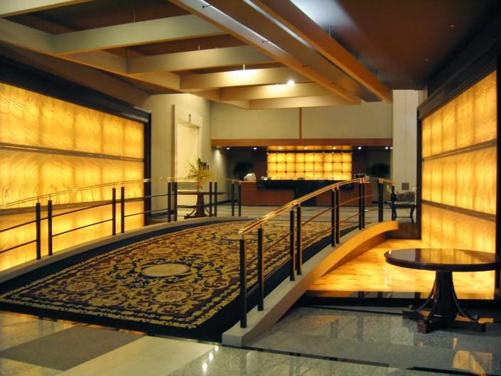 Hotel realizzazione Pavimenti e Rivestimenti in Onice Giallo retroilluminato