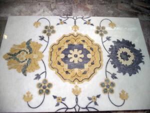 Fiore di marmo tecnica ad intarsio