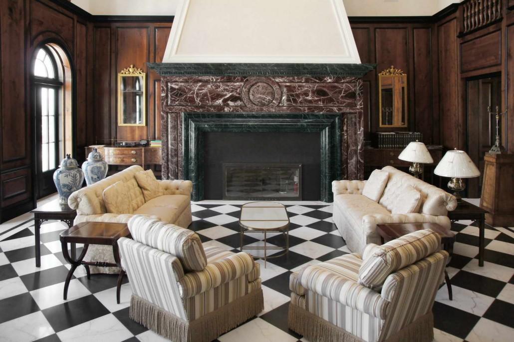 Trendy villa stati uniti with pavimenti in marmo for Specchio antico rovinato