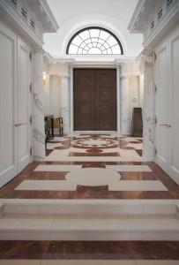 Villa Privata Usa Colonne e Pavimento in Marmo