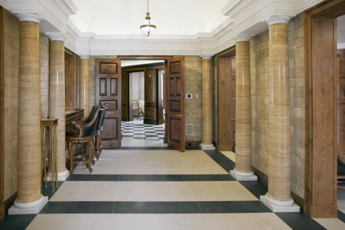 Villa Privata Usa colonne in marmo corridoio