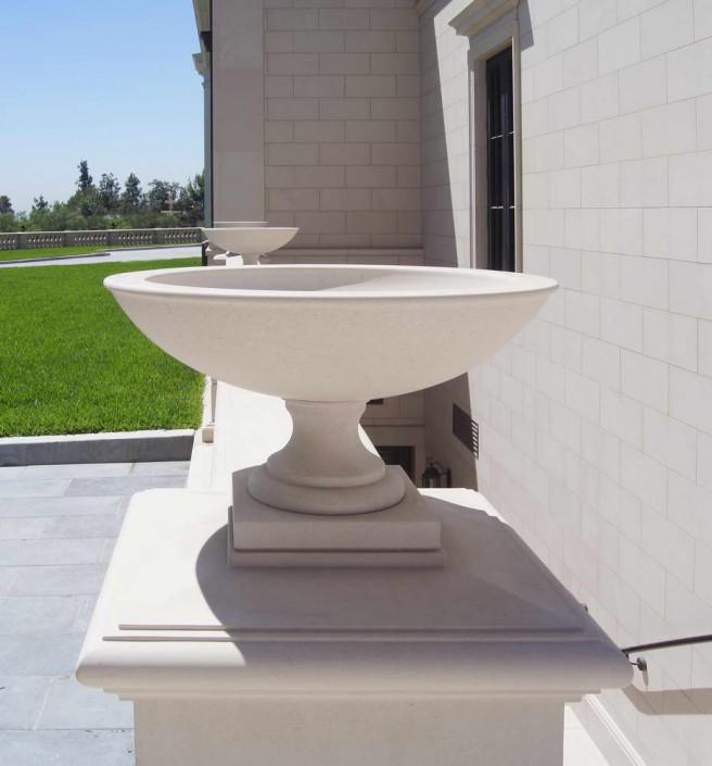 Villa Privata Usa vasi in marmo